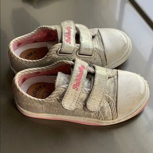 Pablosky little girls Velcro sneakers size 8